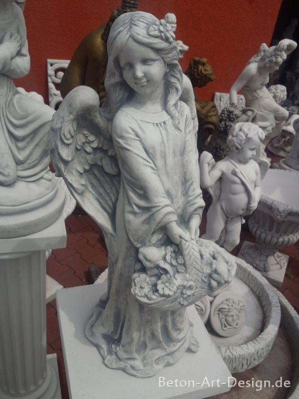 gartenfiguren engel mit blumenkorb hasen 62 cm skulptur. Black Bedroom Furniture Sets. Home Design Ideas