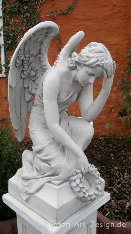 beautiful angel grave concrete 81 cm tall