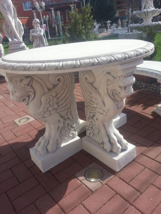 Runder Tisch Mit 4 Fabelwesen Füßen, Park U0026 Gartendekoration, Steinguss,  Steintisch