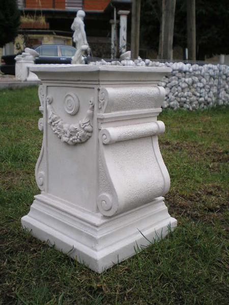sockel s ule f r figuren oder vasen steinguss 30 cm. Black Bedroom Furniture Sets. Home Design Ideas
